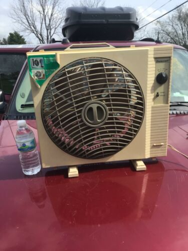 Vintage Rare Duracraft Window box Fan strange look 3 speed