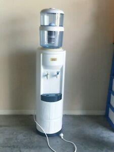 Aquaport drinking water cooler with filter bottle