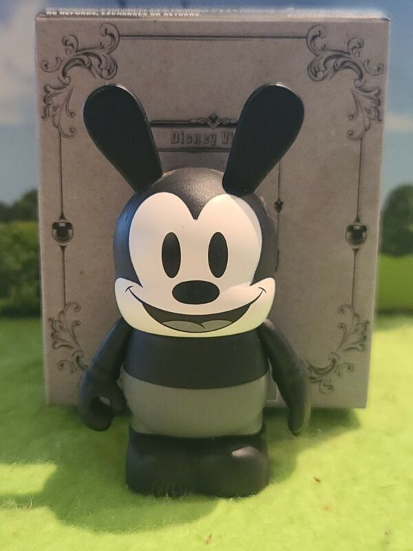 """DISNEY Vinylmation 3"""" Park Set 1 Classic Collection Lucky Oswald Rabbit with Box"""