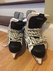 Boys hockey skates size 2.5