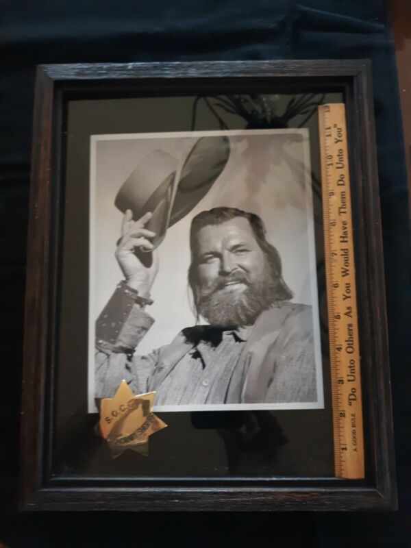 GREGG PALMER S.O.C.C. HONORARY SHERIFF PHOTO AND SEVEN POINTED STAR BADGE FRAMED