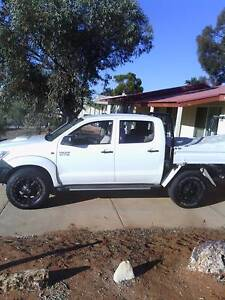 2013 Toyota Hilux Ute 4x4 auto Berkeley Wollongong Area Preview
