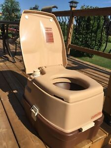 Camper portable toilet