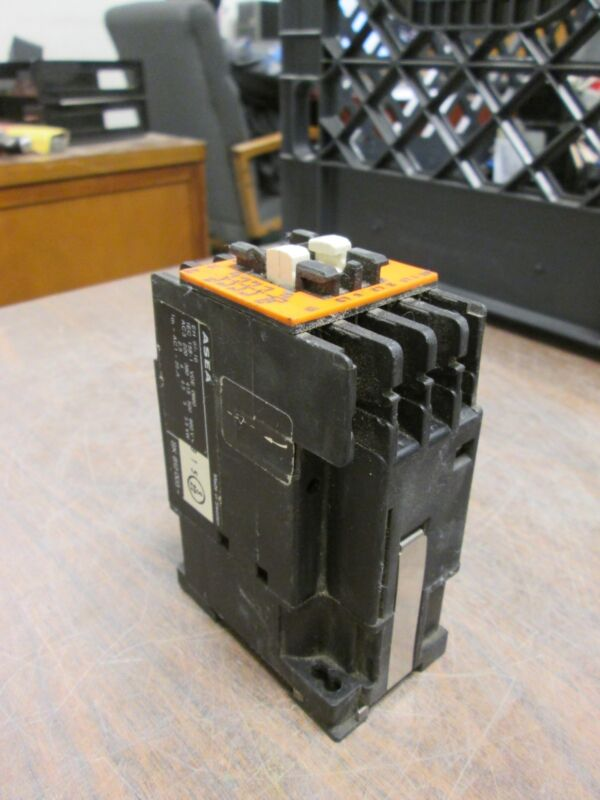 ASEA Contactor EH 9-10 24VDC Coil Used