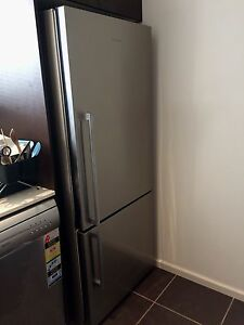 Fisher Paykel 442L Bottom Freezer Stainless Steel Merewether Newcastle Area Preview