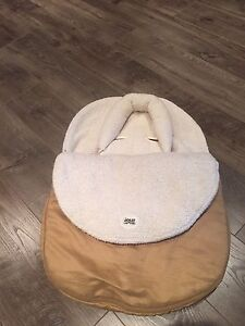 Couvre-coquille d'hiver  / car seat cover