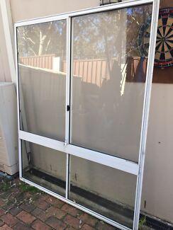 Glass window Rosemeadow Campbelltown Area Preview