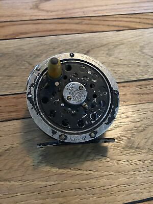 Vintage Pflueger medalist no. 1492 fishing fly reel made in USA