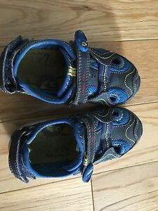 Stride rite Sandals toddler 8