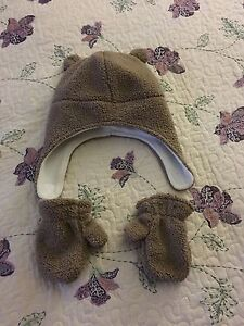 Bear Hat and Mittens Set (size 12-24m)