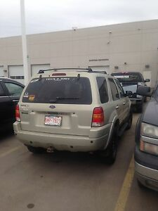 Lowered price 04 Ford Escape awd/4x4