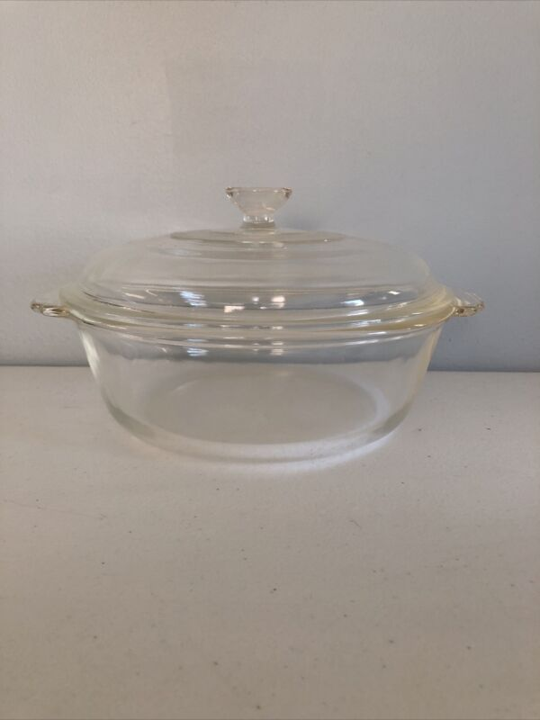 FIRE KING Round Divided Bowl/Casserole Dish 2 Qt clear glass With Lid
