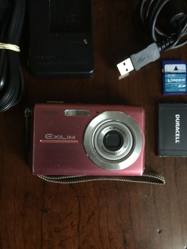 Casio EX-275 7.2 Mega Pixels Digital Camera