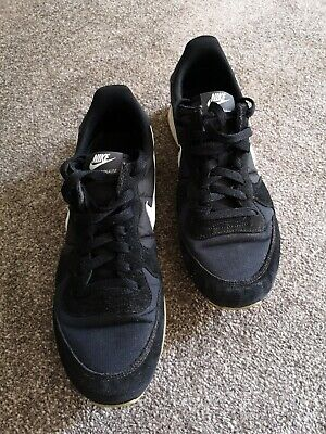 Men's Nike Trainers Size 8.5 / Eur 43