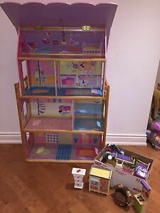SOLID WOOD DOLL HOUSE