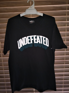 🔥STEALS🔥UNDEFEATED & DIAMOND SUPPLY CO 🔥