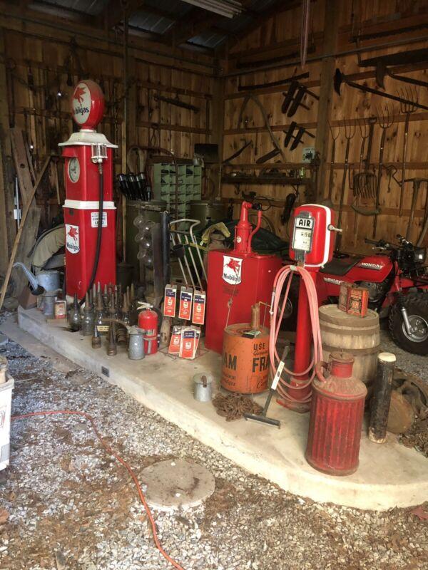 Lot Of Mobil One Gas Pump, Eco Air Meter ,torkheim Oil Dispenser, Oil Bottles