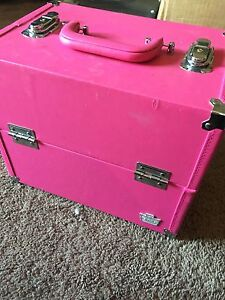MOVING SALE Makeup Caboodles Case NEED GONE ASAP