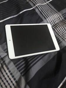iPad mini 2 16 GB White