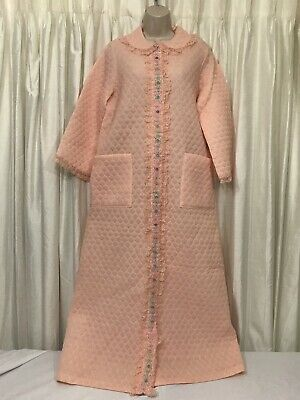 Vintage Quilted Robe Blush Pink Snap Front Lace Floral Trim Size M Pink Trim Snap