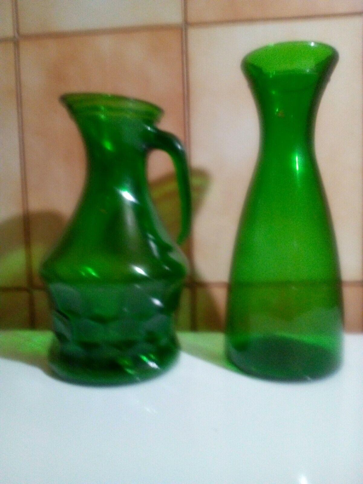 n 2 antiche caraffe vetro verde  cm 30