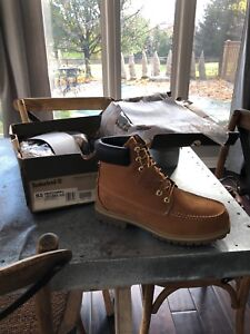 Timberland boots new in box size 9.5