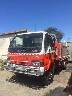 Isuzu NPS 300 4 x 4 Fire truck 98 model