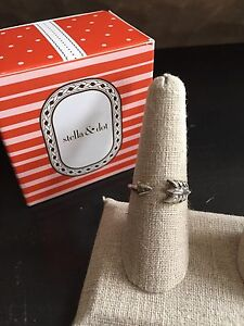 Stella and Dot Gilded Arrow Ring