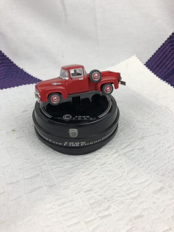 Enesco - 1956 Ford F-100 Mini Truck Musical - The classics collection