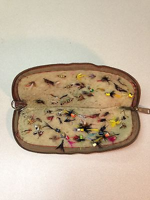 LOT OF VINTAGE FLY FISHING LURES/FLIES/POPPERS WITH CASE