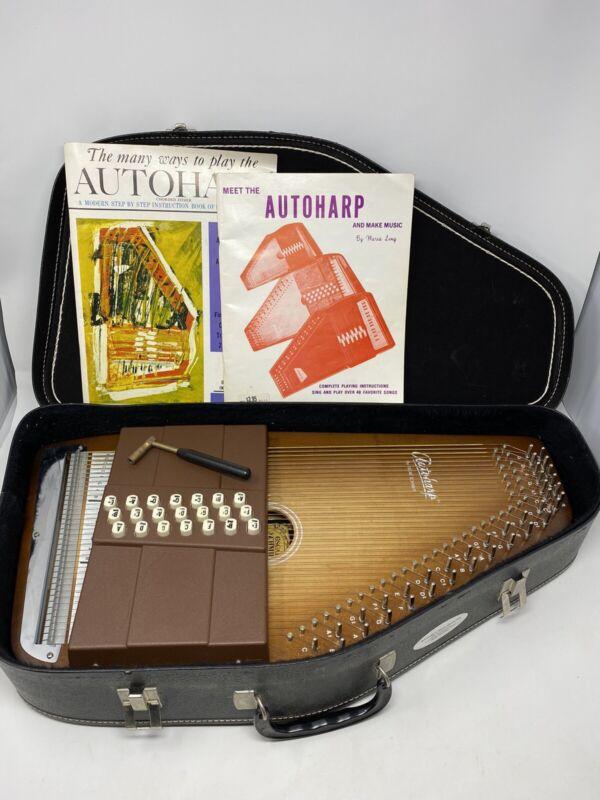 Oscar Schmidt Model 21 C/R Autoharp With Case Pick Tuning Key