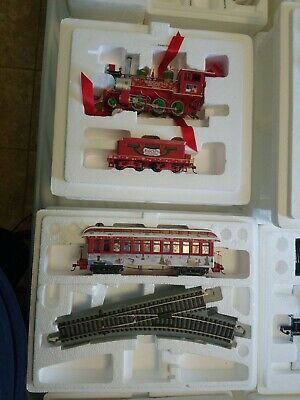HAWTHORNE VILLAGE RUDOLPH CHRISTMAS TOWN EXPRESS ELECTRIC TRAIN SET 13 CARS
