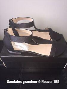 Sandales NEUVE 9 / NEW Sandals 9