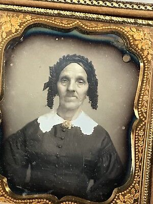 DAGUERREOTYPE Old Lady 1840s Fashion Dress White Lace Collar Gold Brooch