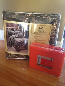 Real Tree - Max 4 Comforter Set + Orange Sheet Set (Size Queen)