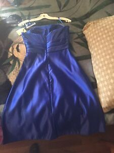 Formal dress never worn