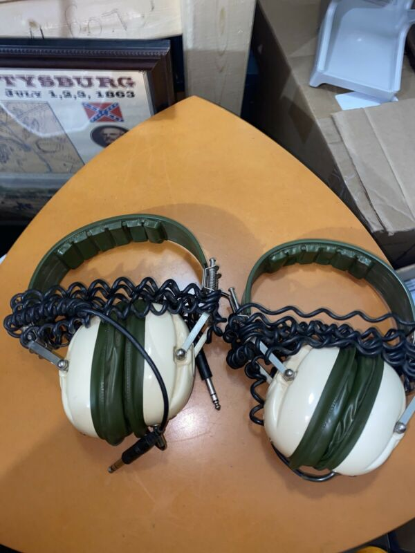Swinger By Superex Yonkers, N.Y. Headphones (2 Pair)