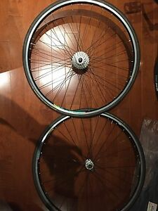 Roues vélo route / road bike set of wheels