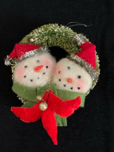 Flocked Bottle Brush Christmas Wreath w Snowman Tinsel Chenille Vintage Look