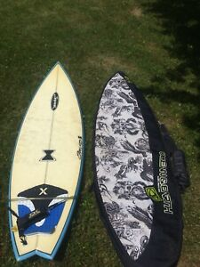Surfboard 6' / bag / leach / fins