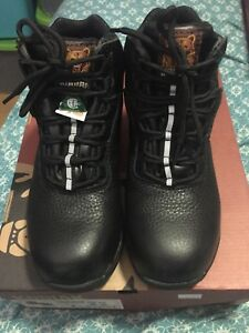 Kodiak Martin men's safety boots sz 4. BNIB