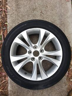 Genuine Hyundai i30 Alloy rim and tyre 215/55R17