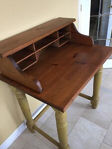 Antique desk Kawartha Lakes Peterborough Area image 2