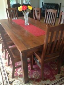 Hardwood Table in good conditon