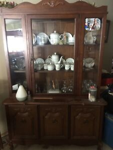 China cabinet and table with 4 chairs