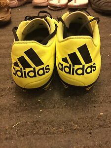 Adidas soccer cleats size 9.5 men