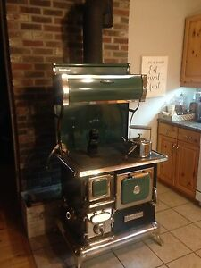 Heartland Sweetheart Wood Stove