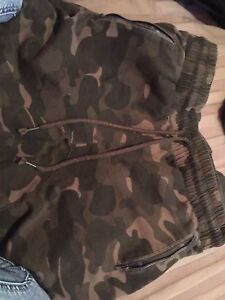 Camouflaged jogging pants