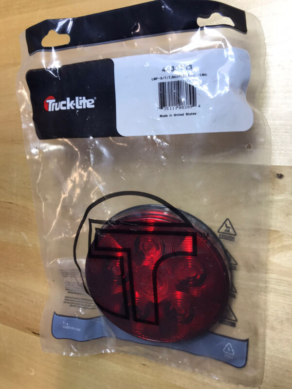 Truck-Lite 44302R3 Super 44 Series Red 6 Diode Rear LED Stop/Turn/Tail Lamp