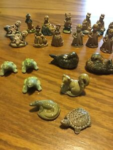 Vintage Wade England Nursery Rhyme Figurines & More (31 pieces)